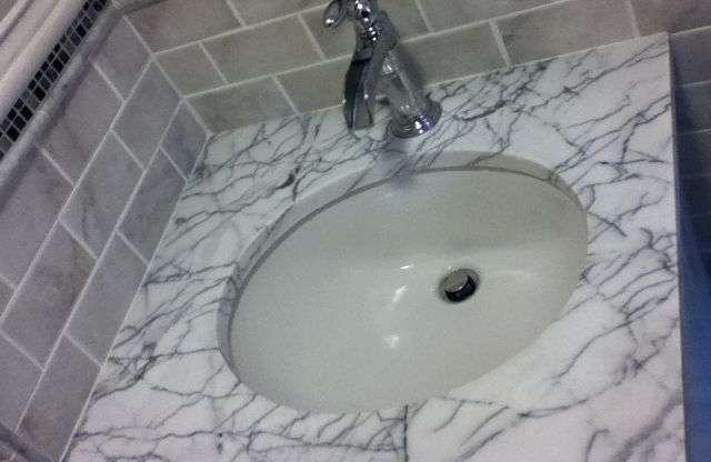 Bathroom Floors Ideas and Ceramics